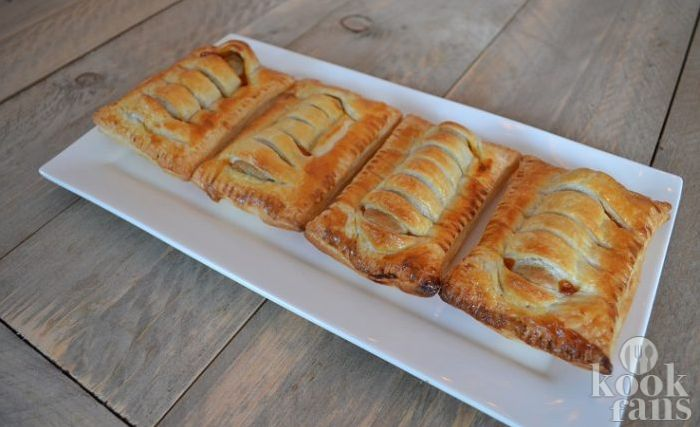 Frikandelbroodjes kopen? Welnee joh, de lekkerste maak je helemaal zelf met dit simpele recept!
