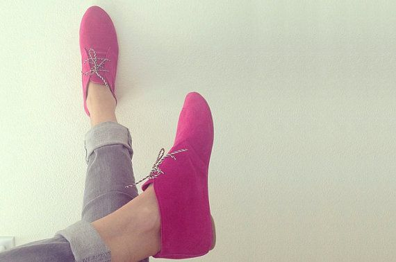 Desert Mini Boots in Magenta Fuchsia Leather by elehandmade