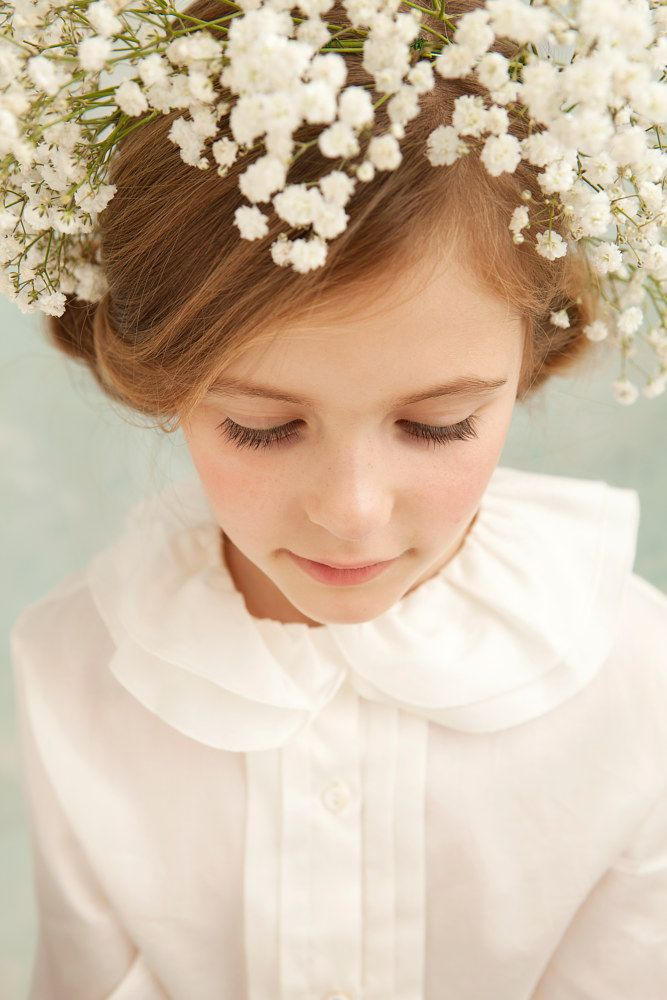 Baby's breath crown. Floral headdress, flower garland. Little girl bridesmaid or First Communion. Handmade headdress by fifilabelle, London.  Photo by Julia Boggio. www.fifilabelle.com