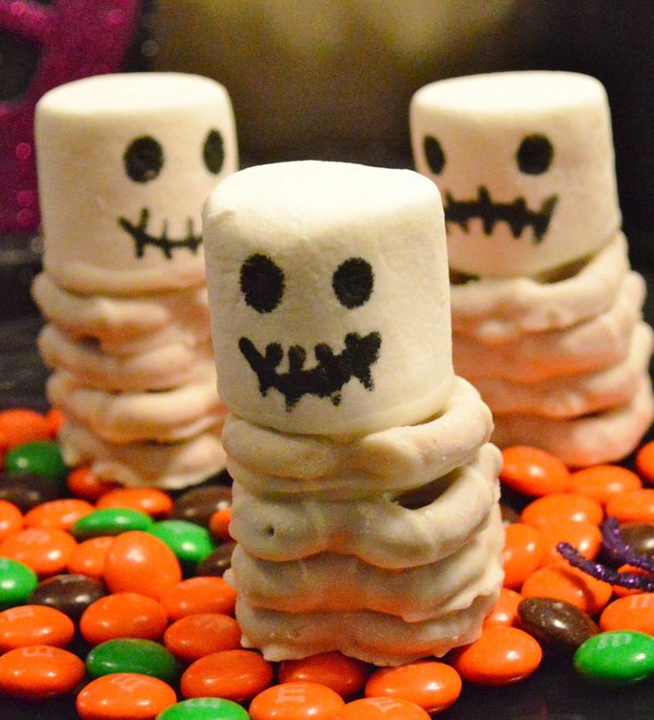 1000 images about halloween crafts and treats on pinterest for Easy halloween treats for work party