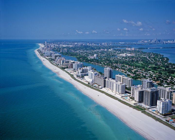 *マイアミビーチの見所* 年中温暖の為、いつも賑わっているビーチ                              …