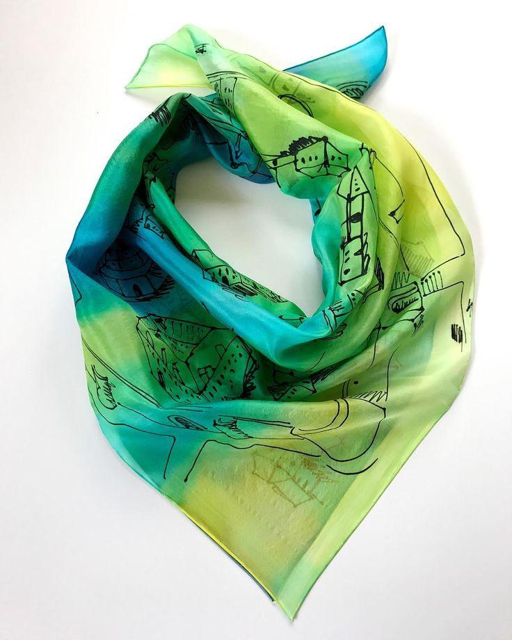 A custom order for a wedding-present. Pest in the middle ages and the fav colors of the bride. #weddinggift #showergift #silkscarf #customized #customorder #womensscarf #luxuryfashion #handdyed #etsyshop #instaphotos #magyardivat #ikozosseg #selyemkendő #nászajándék #esküvő