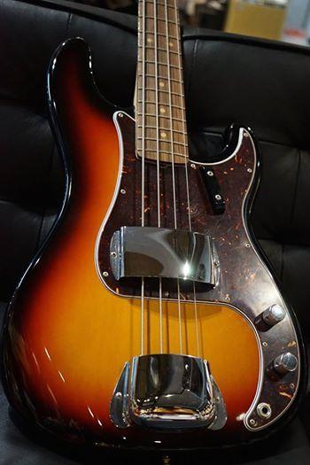FENDER USA American Vintage '63 Precision Bass 3-Color Sunburst  http://www.chuya-online.com/products/82806/index.html