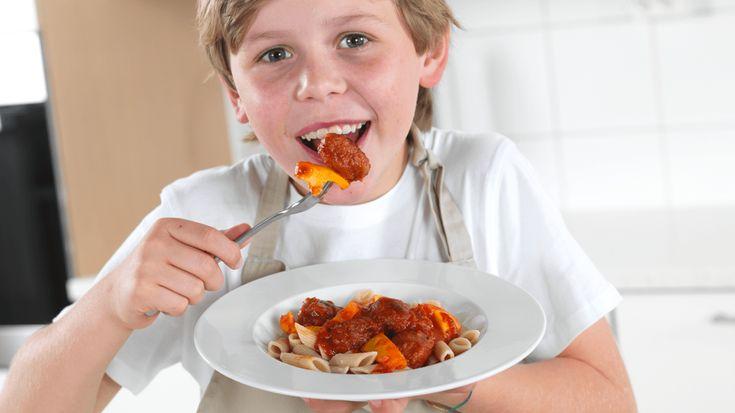 Pasta med kjøttboller i tomatsaus - MatStart