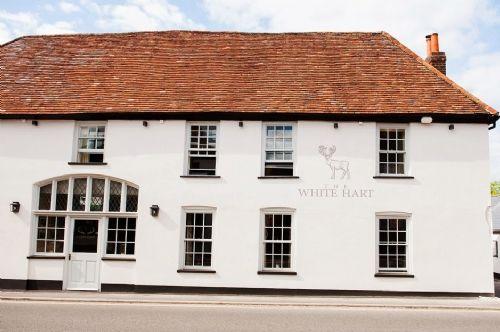 The White Hart   Pub Restaurant Overton Whitchurch