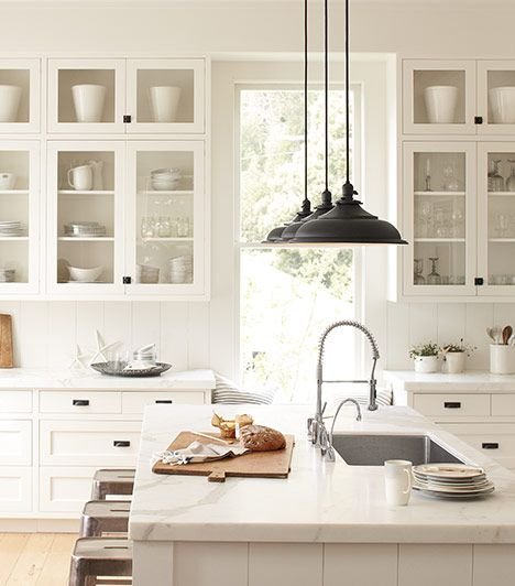 25 Best Ideas About White Farmhouse Kitchens On Pinterest Country Kitchen Cottage Kitchen Decor And Cottage Kitchens With Islands