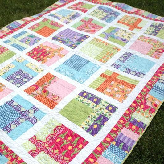"""This #FreeQuiltingPattern would make the perfect summery picnic blanket! Just picture it - the birds are singing, the breeze is blowing and you are fighting for the last piece of fried chicken with your family members. Ah, bliss. Click """"Repin"""" if you are excited for summer cookouts & click the image for your free instant download of the pattern! #quilting #patternFree Pattern, Amanda Murphy,  Comforters, Quilt Block, Tile Quilt, Free Quilt,  Puff, Topiaries Tile, Quilt Pattern"""