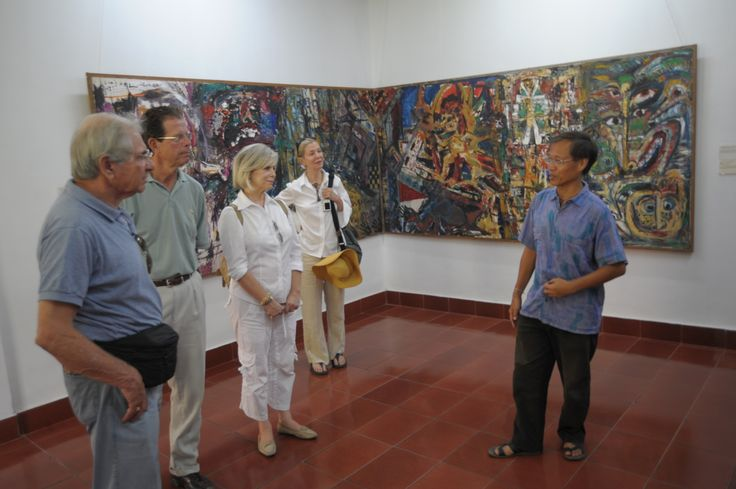 Meet art gallery owners and local artists, talk with them, understand artistic vision and curation.