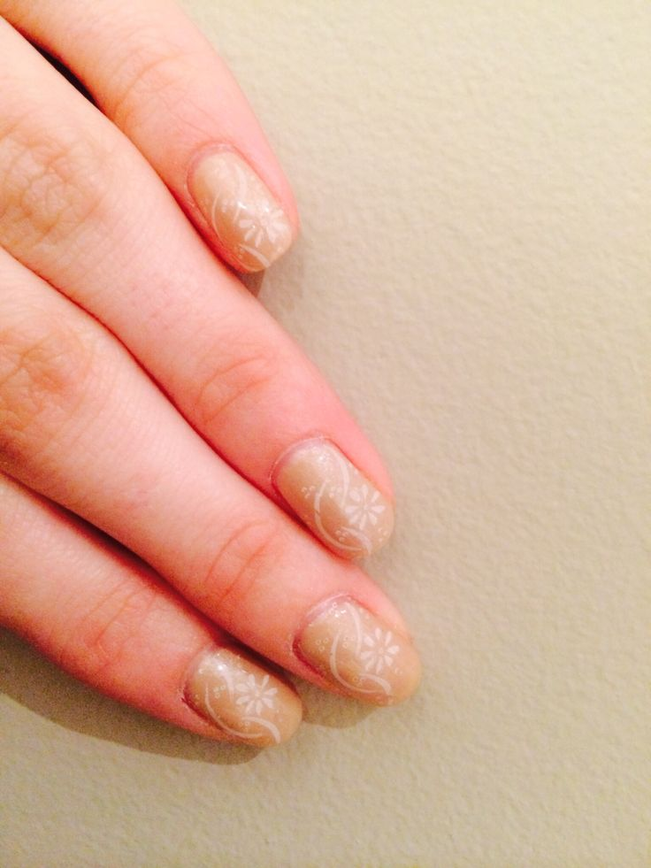 Gelish skinny vanilla latte with stamped flower design by s.doherty