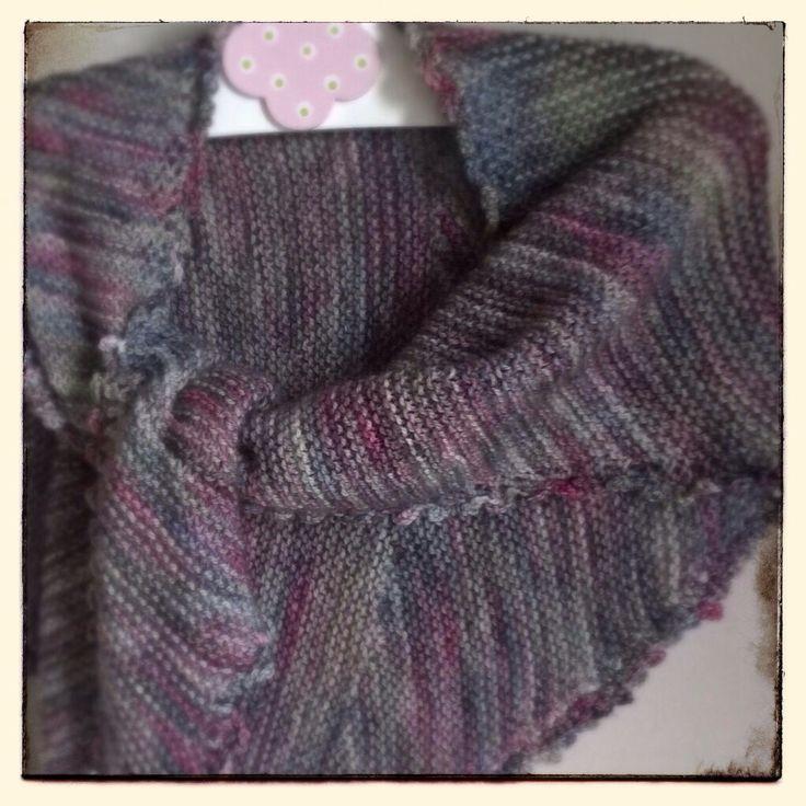 A scarf for a little girl. Yarn by Manos del Uruguay, pattern modified from Veera Välimäki's Huivileikki. Pienen tytön huivi.