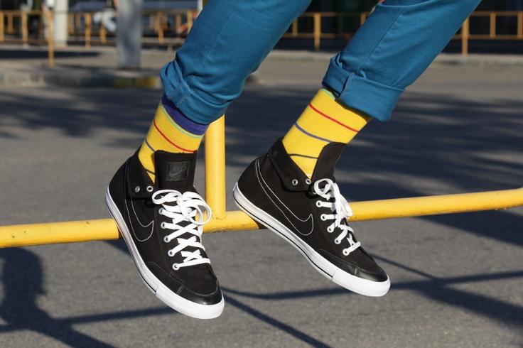 http://www.socksinbox.cz/panske-barevne-ponozky-prouzky