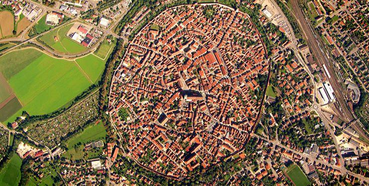 Luftbild von Nördlingen, aus der ZDF-Reihe Deutschland von oben (Quelle: ZDF-Mediathek)