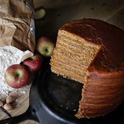 A recipe for traditional Appalachian dried apple stack cake. Twelve layers of gingery molasses cake with homemade apple butter filling.