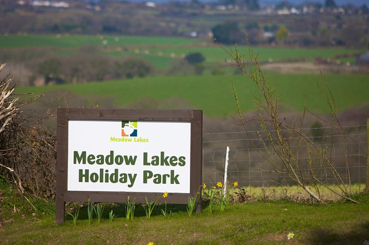Welcome to Meadow Lakes Holiday Park