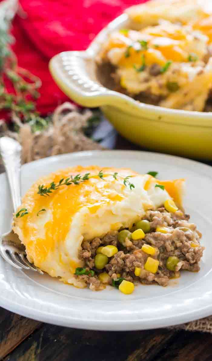 Shepherd S Pie Is A Traditional Irish Dish Made With Ground Lamb Cooked With Peas And Carrots And Topped Wit Shepherds Pie Recipe Easy Yummy Casseroles Recipes