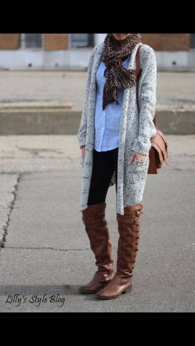 knit sweater, leggings and boots :)