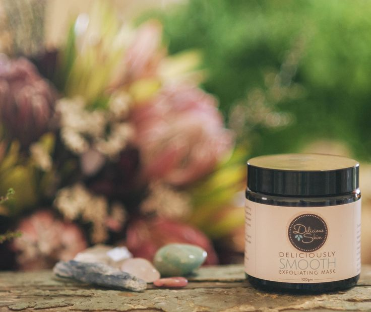 Delicious detoxifying and smoothing mask.  Natural clays actually become magnetically charged when activated to draw out impurities from pores.