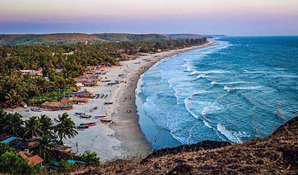 Вид на Арамболь, Гоа, Индия #travel #travelgidclub #путешествия #traveling #traveler #beautiful #instatravel #tourism #tourist #природа #пляж #Индия #Гоа