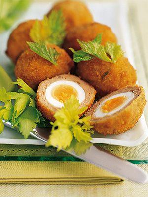 Рецепт «Яйца по-шотландски» из книги «Яйца» Этот рецепт из раздела «Закуски». #recipe #eggs #cookbooks #cookbooksru