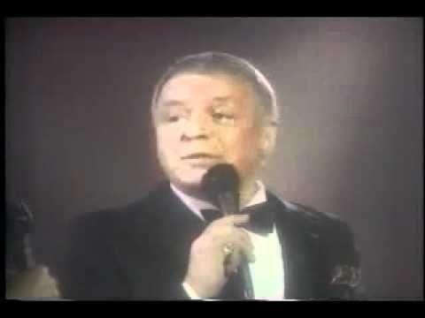 """Frank Sinatra & Dionne Warwick - You and me (We wanted it all) Sinatra und Warwick während des Benefiz-TV-Specials """"Solid Gold"""" im Jahre 1986. Text/Musik: Peter Allen, Carole Bayer Sager Arrangement: Don Costa"""