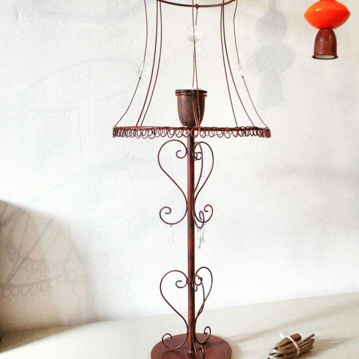 Casa luminosa deco Lampara  de hierro & alambre en color oxido. www.casaluminosa.com.ar
