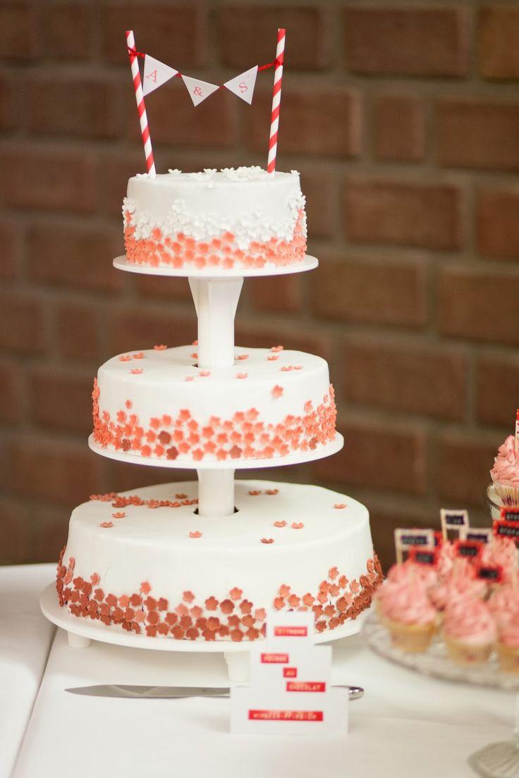 One more, please!: Hochzeitstorte Part I - Himbeer-Pfirsich-Torte