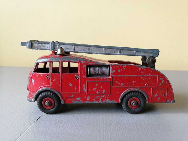 Vintage Dinky Toys Fire Engine With Extendable Ladder - No 555 - Made In England - Meccano Ltd. Vintage Dinky Toys No 555 Fire Engine by OnyxCollectables on Etsy