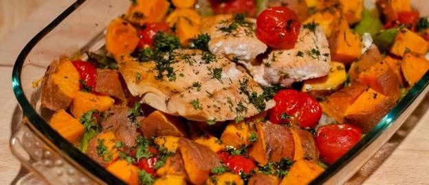 Zoete aardappel met zalm uit de oven