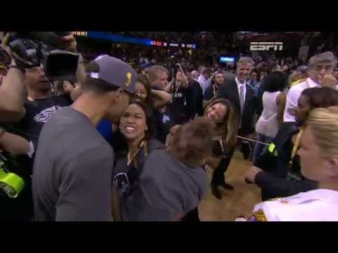 Riley Curry Celebrates Win with Father Stephen Curry - YouTube