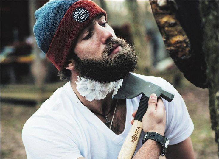 Une belle barbe c'est avant tout une barbe bien taillée ! Nos conseils pour tailler sa barbe et obtenir une barbe soignée aux contours bien délimités.