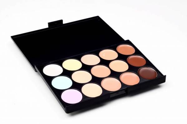 15 colour concealer palette that ensures perfect skin colour match providing a natural finish.  Super for contouring!  This compact palette is perfect for concealing any blemishes and also for achieving the perfect contour.
