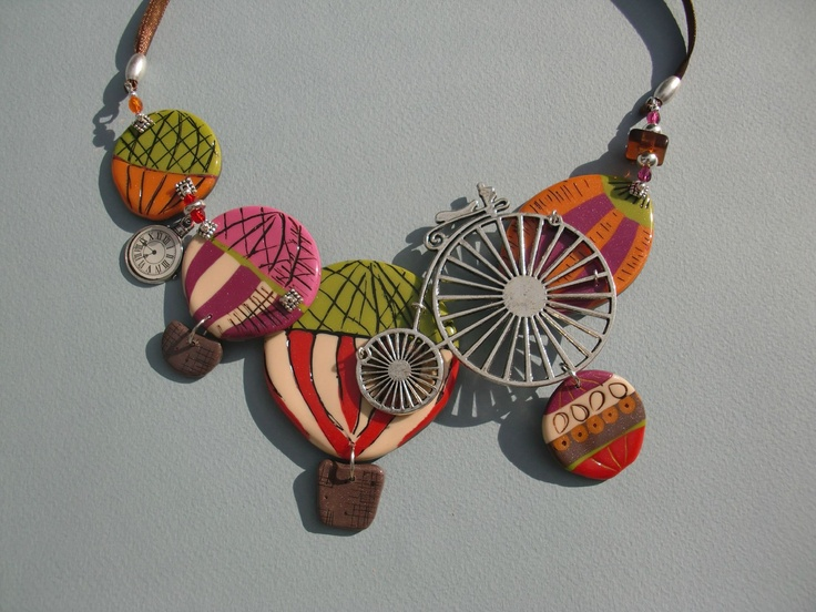 Lovely whimsical hot air balloon necklace :)