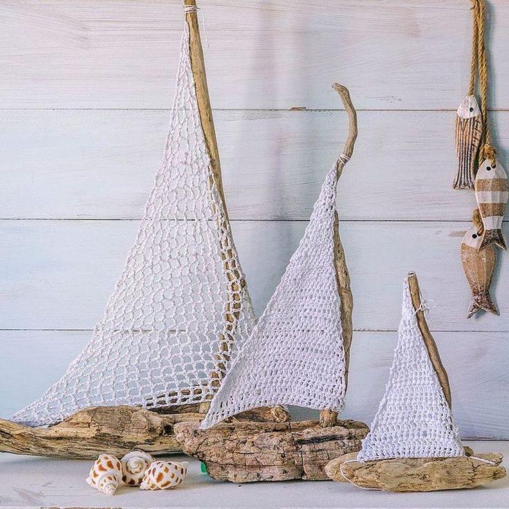 Driftwood and Crochet Sailboats Inspiración ✿Teresa Restegui http://www.pinterest.com/teretegui/✿