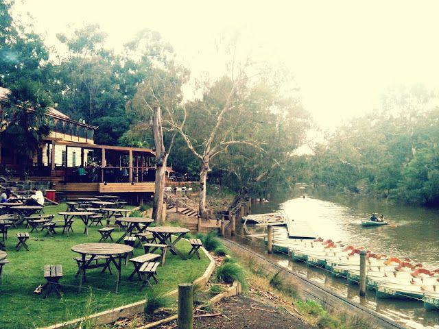 Walk Walk Melbourne: Fairfield Park Boathouse & Tea Gardens