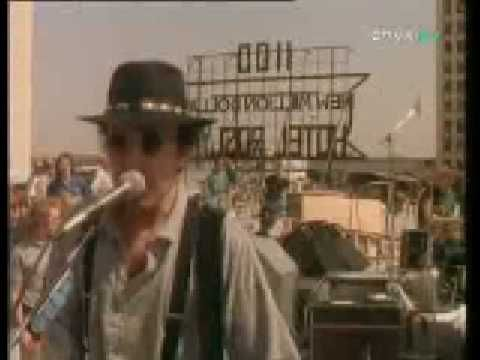 (official video in L.A) The Joshua Tree in Album - Where The Streets Have No Name