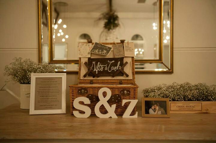 S & Z's Gift table