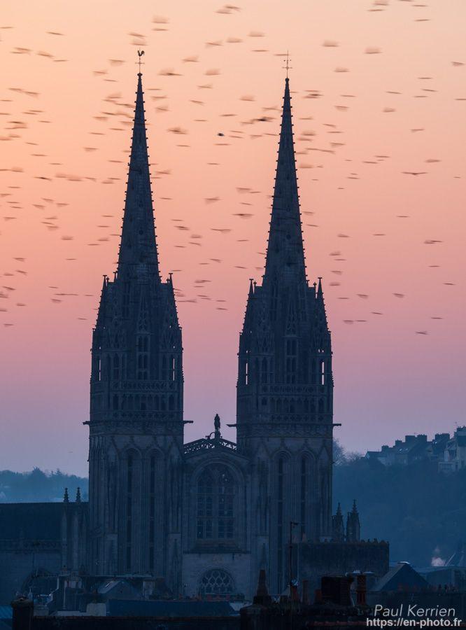 lever du jour sur Saint-Corentin  - à Quimper   © Paul Kerrien 2018 https://en-photo.frFinistere Bretagne