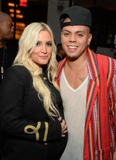 """Ashlee Simpson & Evan Ross Welcome Baby Girl!!- http://getmybuzzup.com/wp-content/uploads/2015/07/489082-thumb.jpg- http://getmybuzzup.com/ashlee-simpson-evan-ross-welcome-baby-girl/- By Celeb Editor Ashlee Simpson and Evan Ross welcomed a baby girl on July 30 which is my mom birthday also. """"Their whole family was around to support them,"""" a source said. """"Evan was very emotional and loves Ashlee so much. He did not leave her side and wanted to go through this with her ev"""