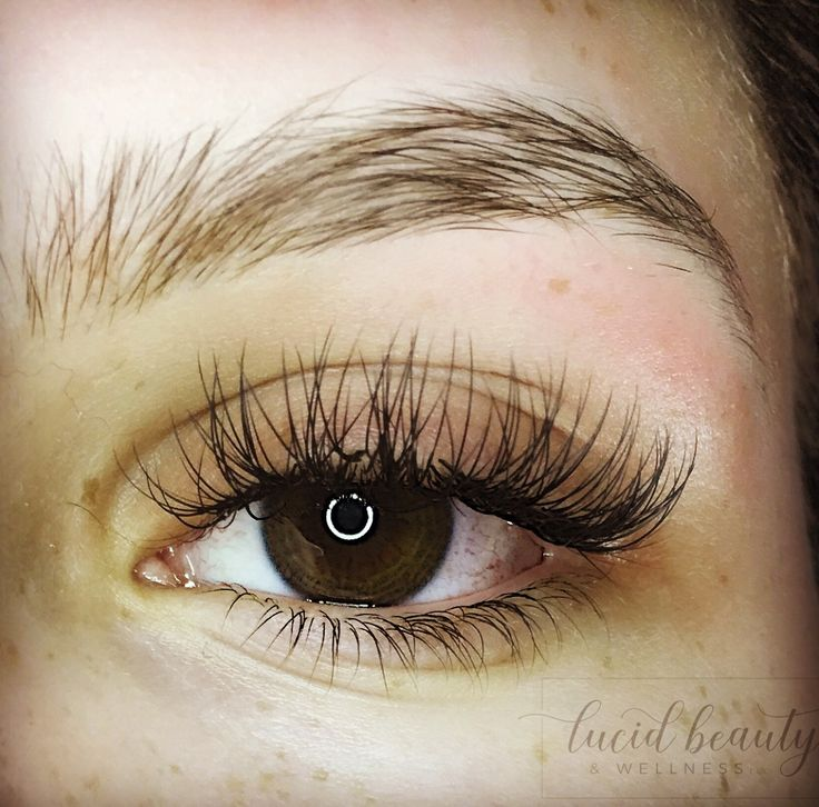 Classic Full Set of Eyelash Extensions D Curl 0.15, 10-15mm with a cat eye effect By Molly Kearns at Lucid Beauty & Wellness in Catonsville, MD.   https://www.lucidbeautycatonsville.com