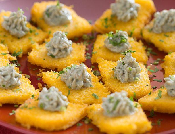 Canapés de Polenta com Gorgonzola