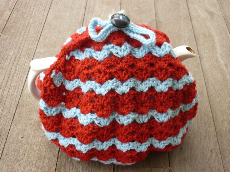 Caravan Knitting Pattern : Caravan Tea Cosy by Val Landewee. Finished December 2013. Easy pattern to fol...