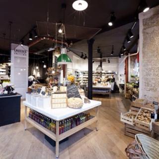 SUPERmarkt, gespot in Parijs een supermarkt met alleen fairtrade en biologisch (h)-eerlijke producten. Dit concept heeft wat weg van Marqt o.a. in Haarlem maar dan net wat luxere uitstraling (#genotominrondtelopen)   Trendspotting by http://www.schoonewoonwensen.nl