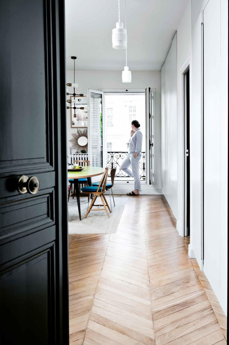 a family of six makes clever use of storage in a Parisian apartment. Photography by Morten Holtum. Styling by Lykke Foged. From the June 2017 issue of Inside Out Magazine. Available from newsagents, Zinio, https://au.zinio.com/magazine/Inside-Out-/pr-500646627/cat-cat1680012#/  and Nook.