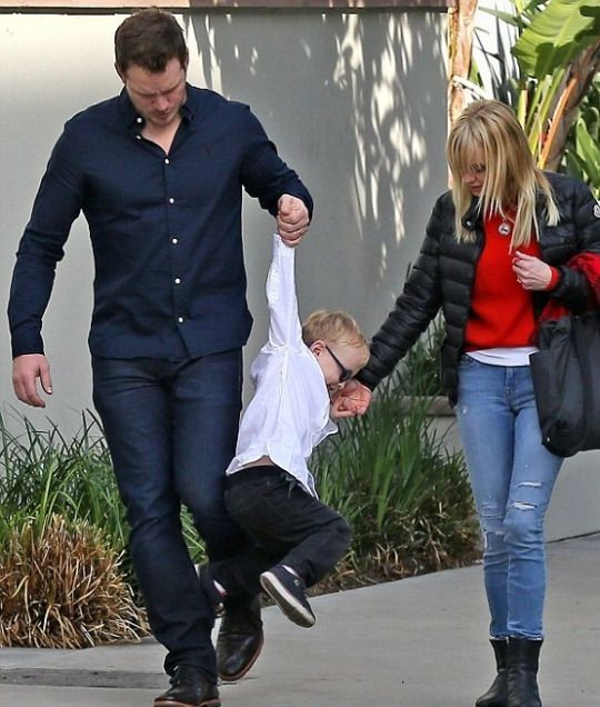 Chris Pratt and Anna Faris were spotted taking their son Jack to a Christmas play in West Hollywood on Wednesday, December 14.