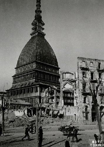Le foto dei bombardamenti su Torino, durante la Seconda Guerra Mondiale: gli edifici e gli stabilimenti distrutti