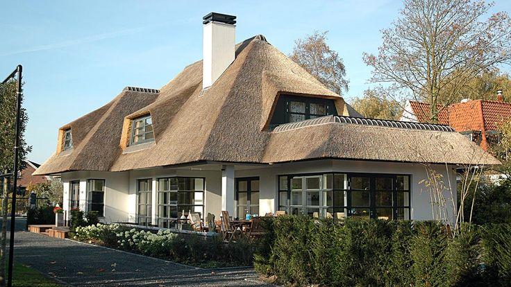 Click to enlarge image landhuis-met-bijgebouwen-01.jpg