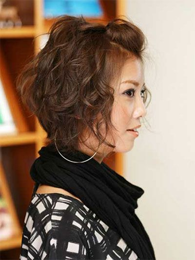 20-Short-Curly-Bob-Haircut-Styles-For-Girls-Women-2014-13