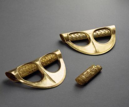 Haches cérémonielles, Byblos / Art phénicien âge du Bronze moyen, v. 1800 av…