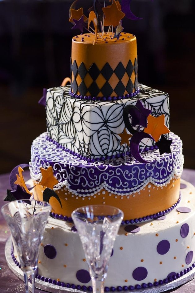 44 best Halloween Wedding Cake Ideas images on Pinterest | Conch ...