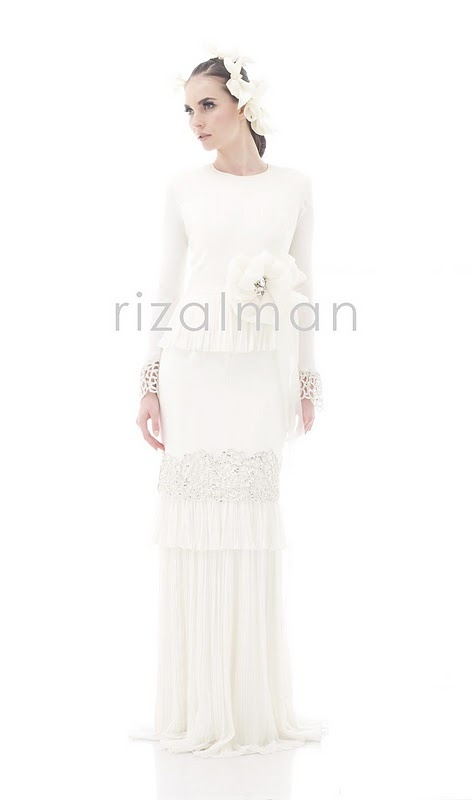 "Traditional wedding dress,perfect for the ""nikah"" ceremony"